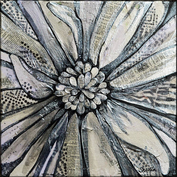 Close-up Painting - Chrysanthemum by Shadia Derbyshire