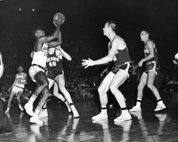 Uniform Photograph - Cincinnatis Robertson Shoots Against Cal by Hulton Archive