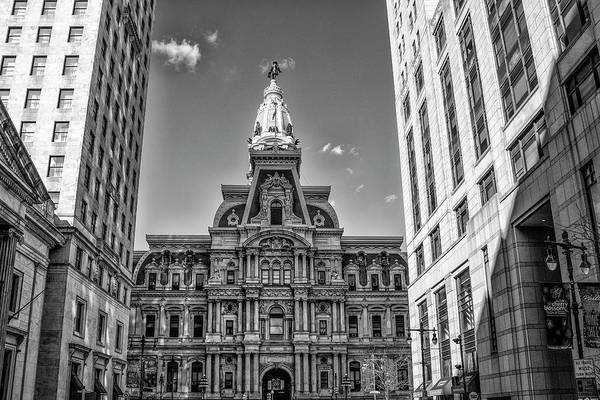 Photograph - City Hall Philadelphia - Broad Street In Black And White by Bill Cannon