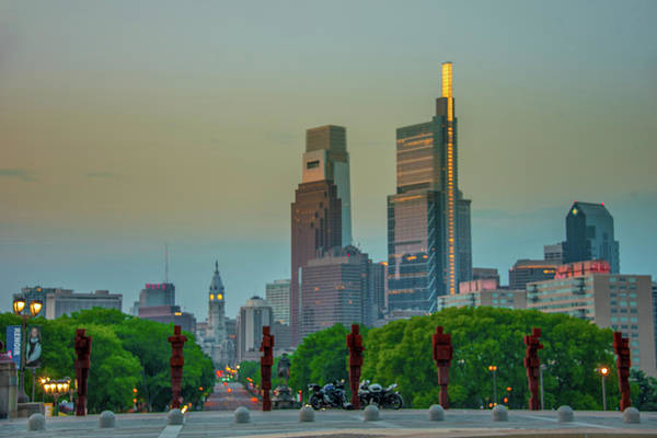 Wall Art - Photograph - City Mornining On The Parkway by Bill Cannon