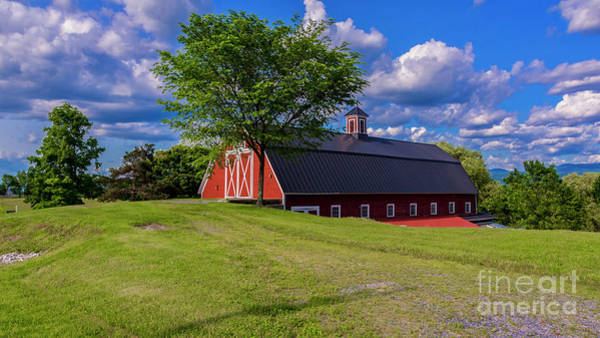 Photograph - Classic Vermont Barn. by New England Photography