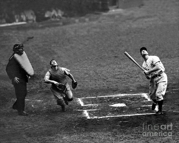 Photograph - Cleveland Indians Vs New York Yankees by New York Daily News Archive