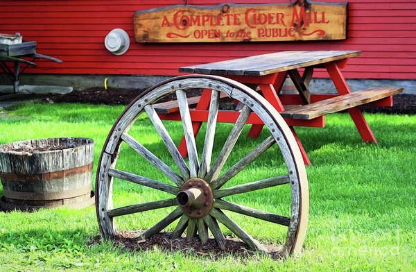 Waterbury Photograph - Cold Hollow Cider Mill by Patti Whitten