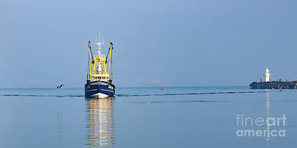 Photograph - Coming Into Harbour by Colin Rayner