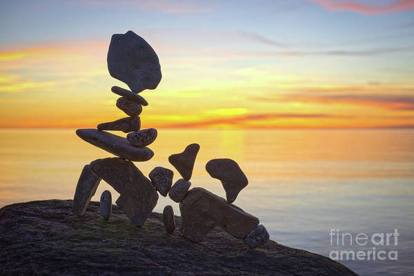 Sculpture - Connecting by Pontus Jansson
