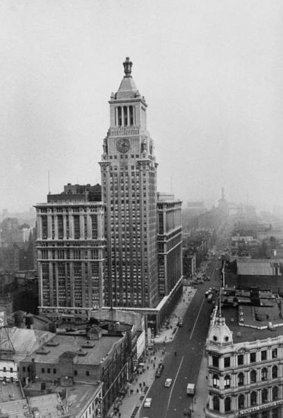 Merchandise Photograph - Consolidated Edison Building On 14th Str by James Burke