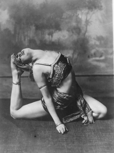 Bending Photograph - Contortionist by General Photographic Agency