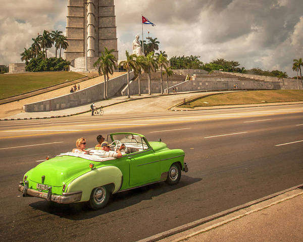 Photograph - Convertible Cruisin by Laura Hedien