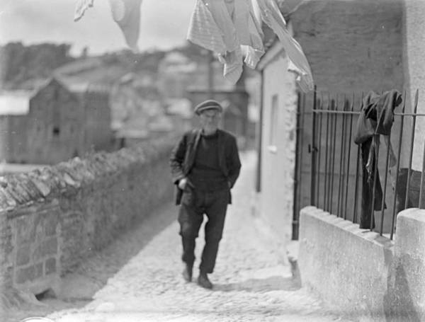 Clothesline Photograph - Cornish Village by Chaloner Woods