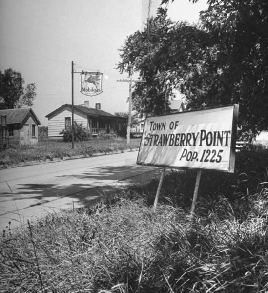 Small Town Usa Photograph - Country Scene.  Photo By Bob Landryti by Bob Landry