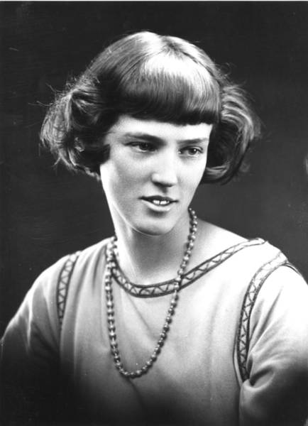 Hairstyle Photograph - Cropped Hairstyle by George C Beresford