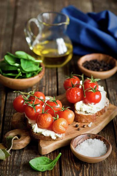 Napkin Photograph - Crostini With Tomatoes by Verdina Anna