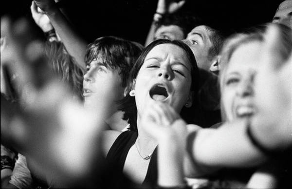 Cheer Photograph - Crowd At Spin Doctors Concert by Martyn Goodacre