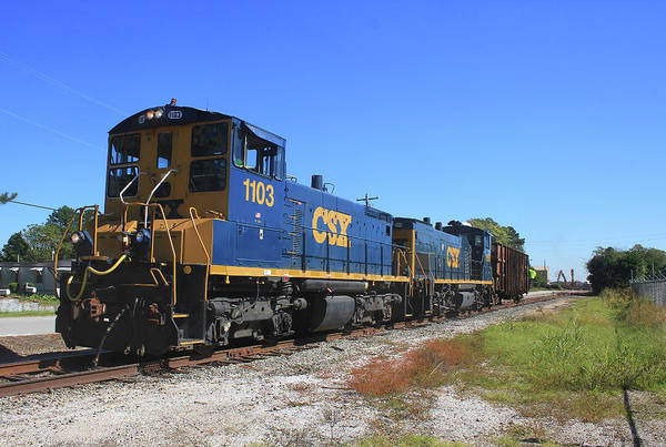 Sbd Wall Art - Photograph - Csx End Cab Switchers 2 by Joseph C Hinson
