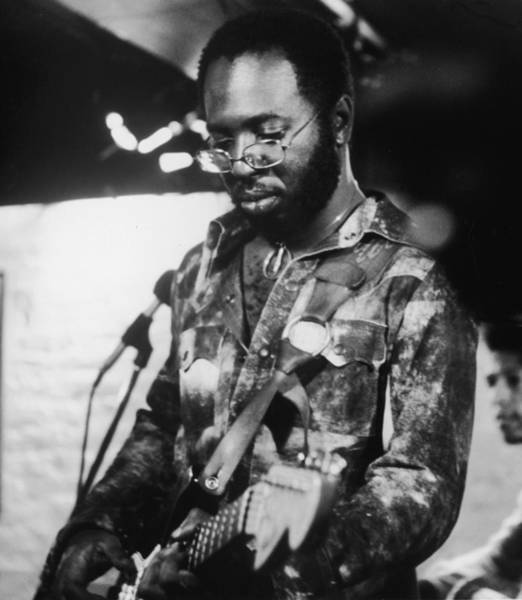 Recording Photograph - Curtis Mayfield Performs by Hulton Archive