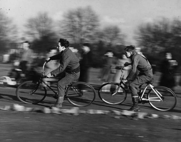 Motor Sport Photograph - Cycle Speedway by Fox Photos
