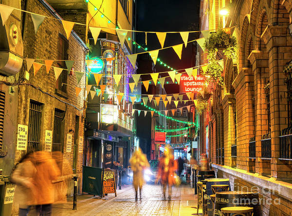 Wall Art - Photograph - Dame Lane At Night In Dublin by John Rizzuto