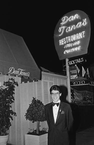Hollywood Photograph - Dan Tanas Los Angeles Restaurant To The by George Rose