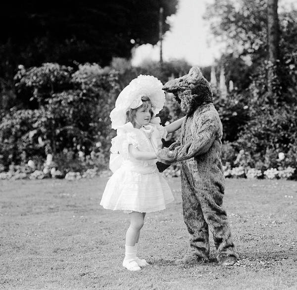 Sun Hat Photograph - Dance Bear Dance by W G Phillips
