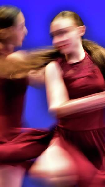 Photograph - Dancers Turning by Jerry Sodorff