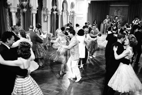 Socialite Photograph - Dancing At Hillwood Estate by Alfred Eisenstaedt