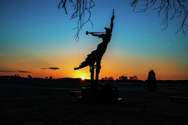 Photograph - Dawn At Louisiana by Dan Urban