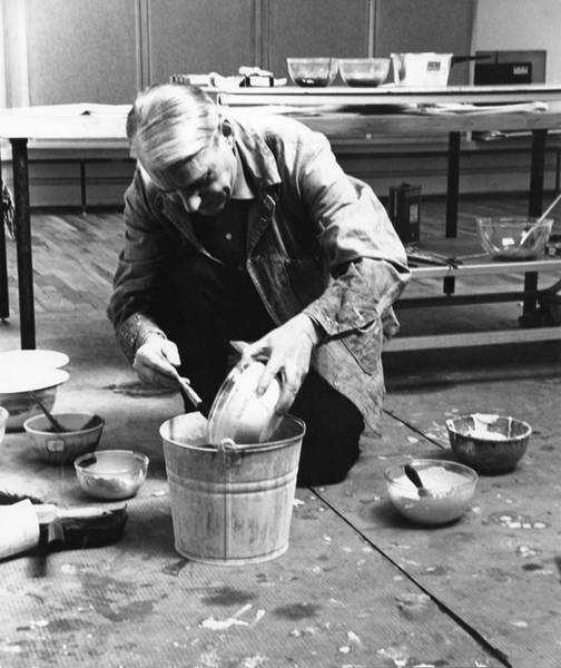 Mixing Photograph - De Kooning In His Loft Studio by Fred W. McDarrah