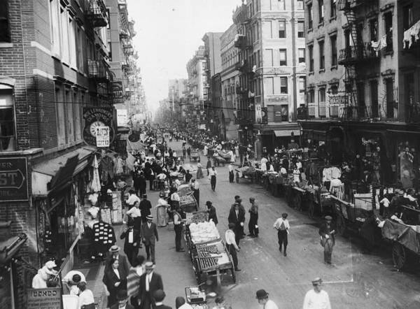 Crowd Photograph - Delancey Street Ny by Hulton Archive