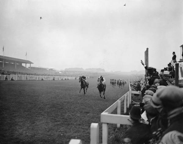 Epsom Derby Photograph - Derby At Epsom by Central Press