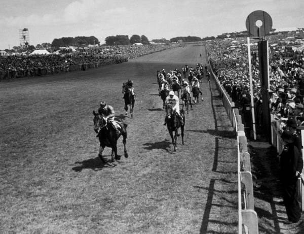Epsom Derby Photograph - Derby Finish 1948 by Topical Press Agency