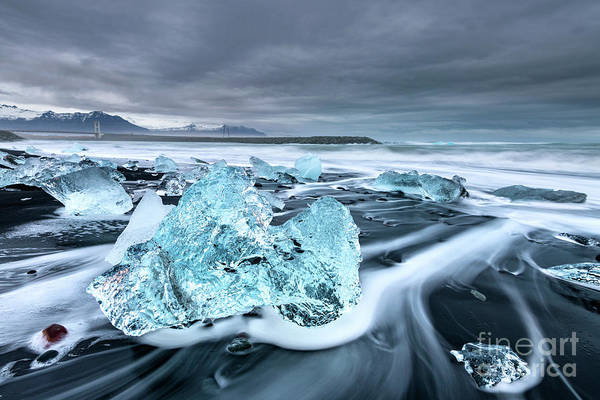 Wall Art - Photograph - Diamond Flow by Jamie Pham