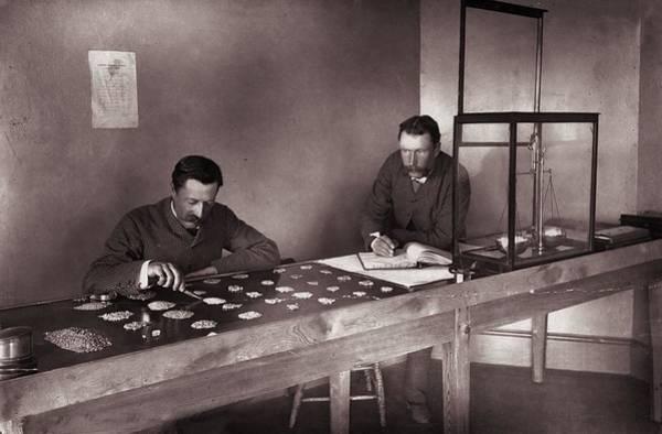 Publication Photograph - Diamond Office by Robert Harris