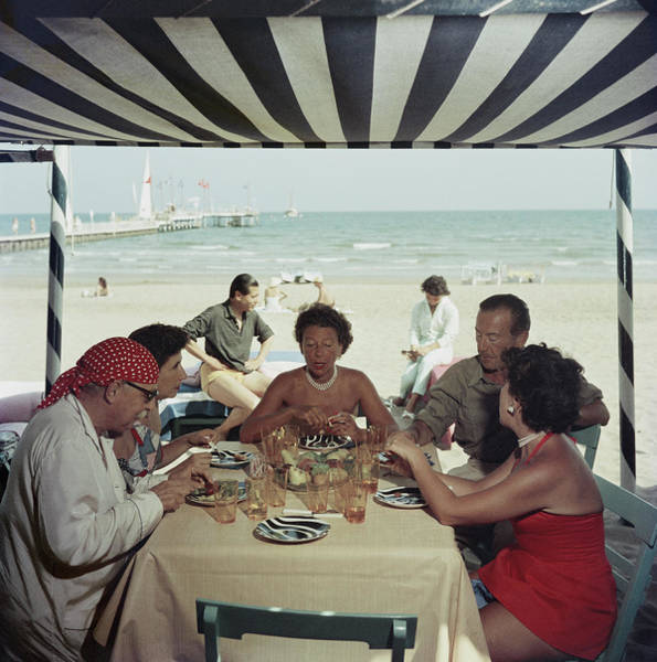 Table Photograph - Dining At The Lido by Slim Aarons