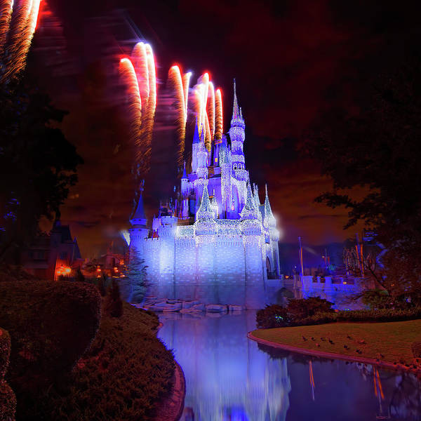 Wall Art - Photograph - Disney's Fantasy In The Sky by Mark Andrew Thomas