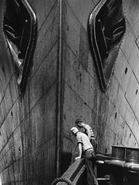 Scale Photograph - Docking by Fenno Jacobs