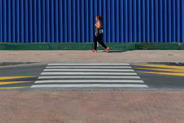 Photograph - Dubai Stride-by by Stuart Allen