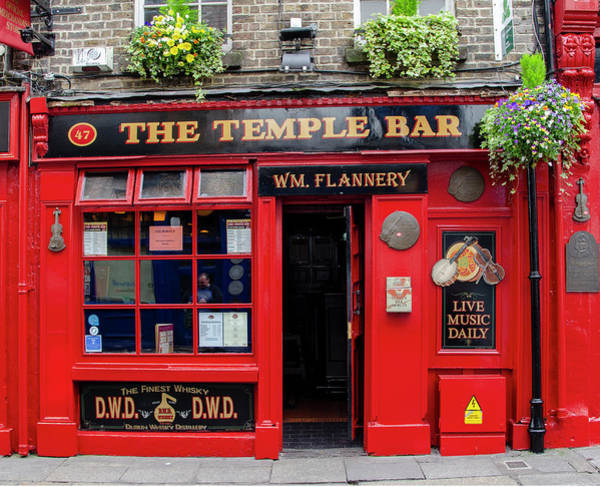 Wall Art - Photograph - Dublin Pubs - The Temple Bar by Bill Cannon