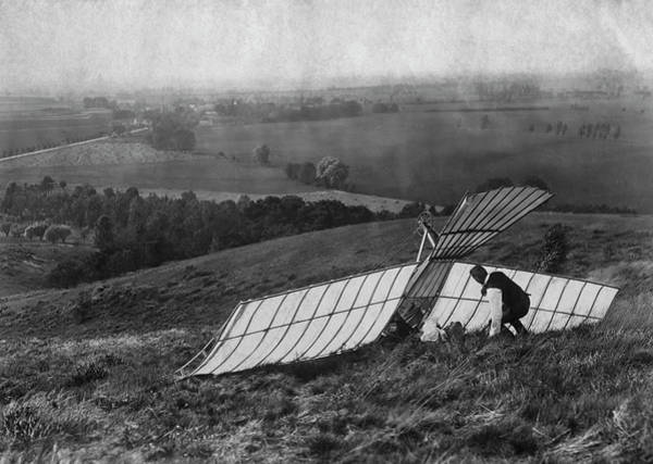 1900 Photograph - Early Glider Crash by Fpg