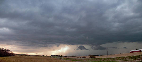 Photograph - Early Morning Severe Thunderstorms 004 by Dale Kaminski