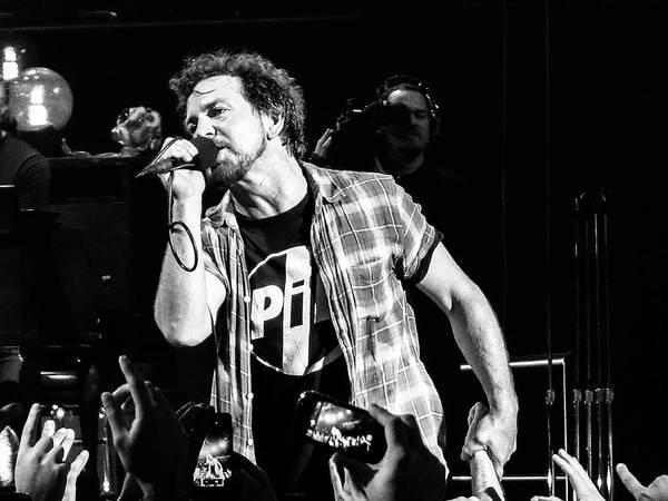 Pearl Jam Photograph - Eddie Vedder La by John Hardin