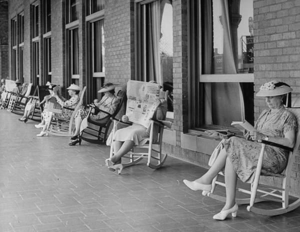 Reading Photograph - Edlerly Ladies Reading Books & Newspaper by Alfred Eisenstaedt