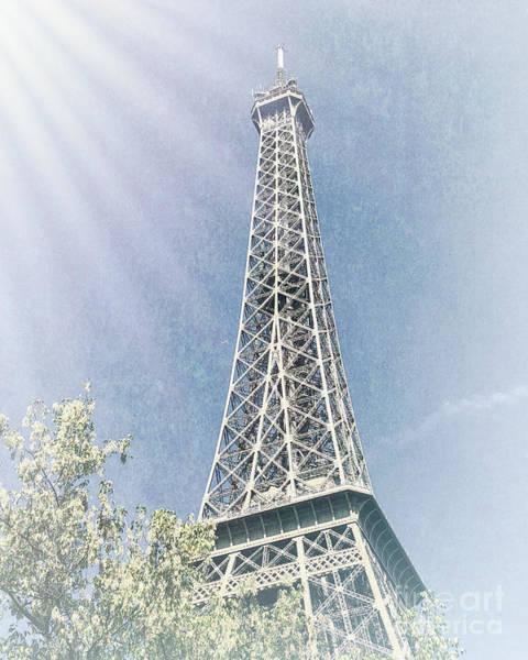 Photograph - La Tour Eiffel by Luther Fine Art