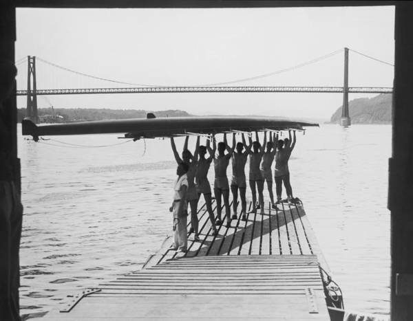 Rowing Wall Art - Photograph - Eight Man Crew Team On Jetty Holding by Fpg