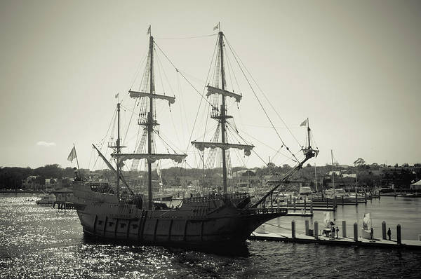 Photograph - El Galeon Andalucia by Joe Leone