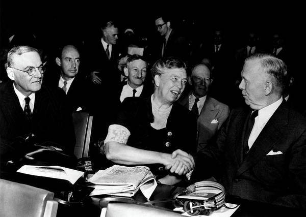 Wall Art - Photograph - Eleanor Roosevelt At The United Nations by Science Source