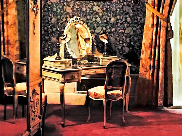 Photograph - Elegant Victorian Bedroom by Susan Savad