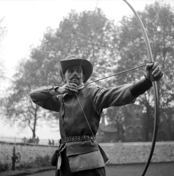 Archery Photograph - Elizabethan Archer by Alex Dellow