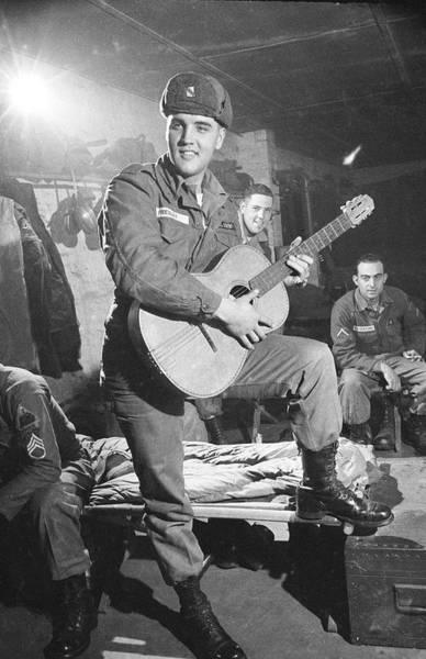 Photograph - Elvis Presley by Loomis Dean