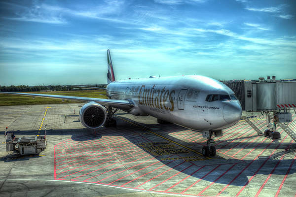 Wall Art - Photograph - Emirates Boeing 777 Airliner by David Pyatt