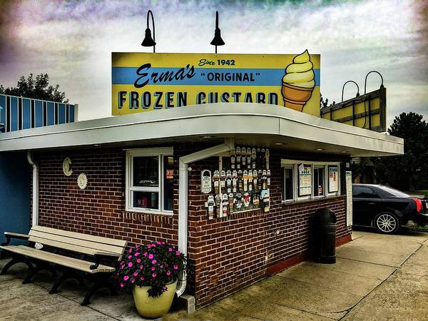 Photograph - Erma Frozen Custard Img_3763 by Michael Thomas